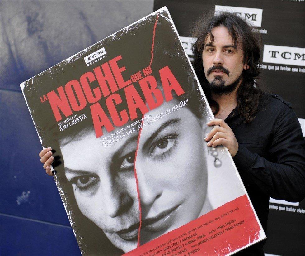 Isaki con Poster